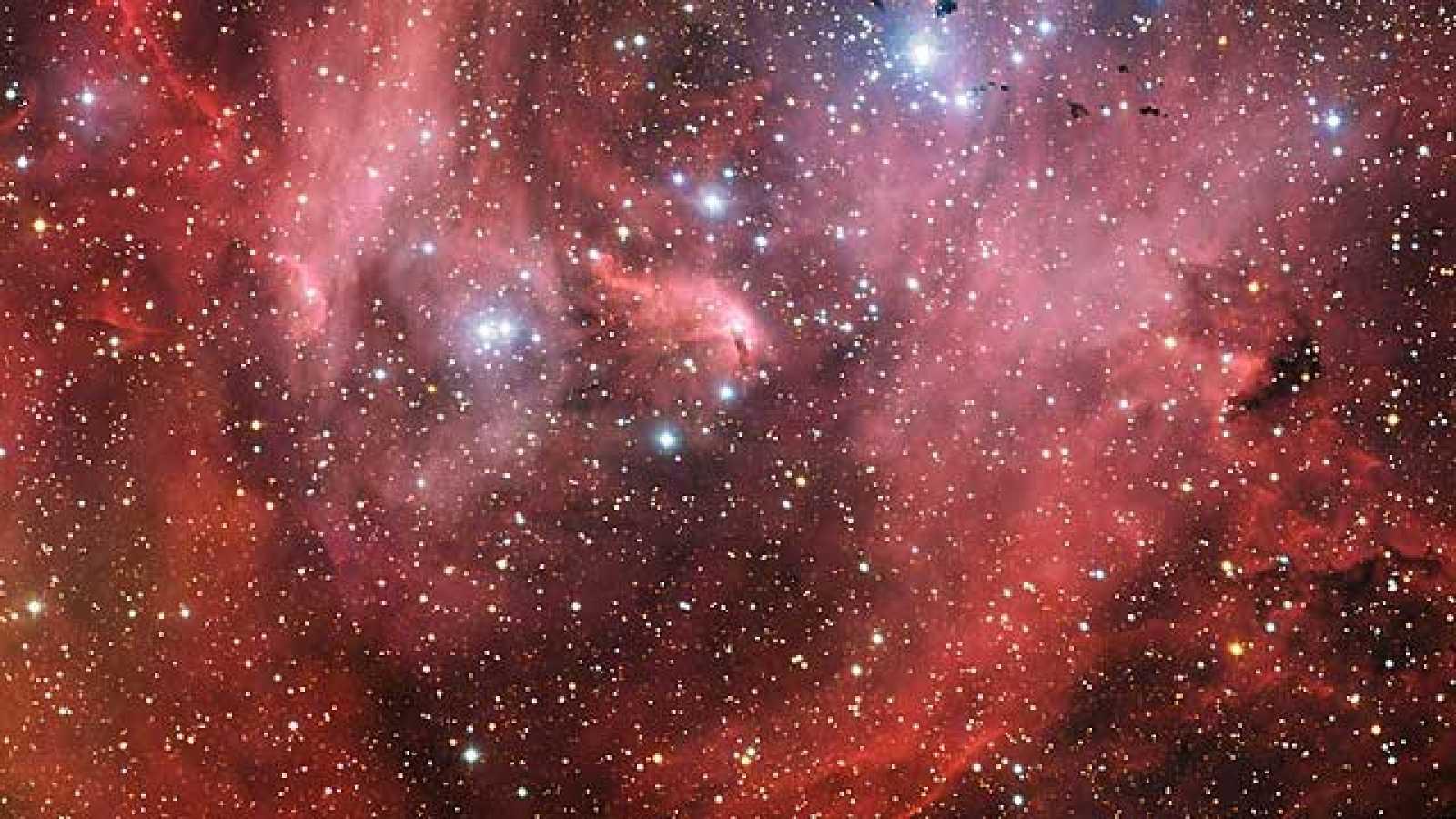 El pájaro que extiende sus alas en una nebulosa a 6.500 años luz de la Tierra
