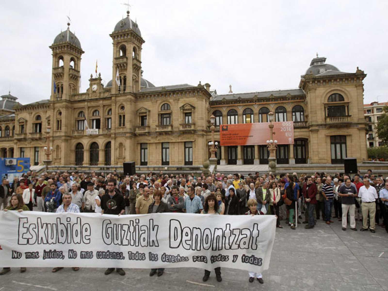 Los presos de ETA suscriben el abandono de la la lucha armada
