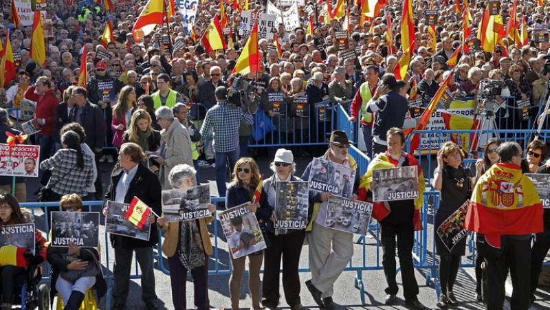 Concentración en Madrid de algunas asociaciones de víctimas contra el terrorismo para pedir justicia