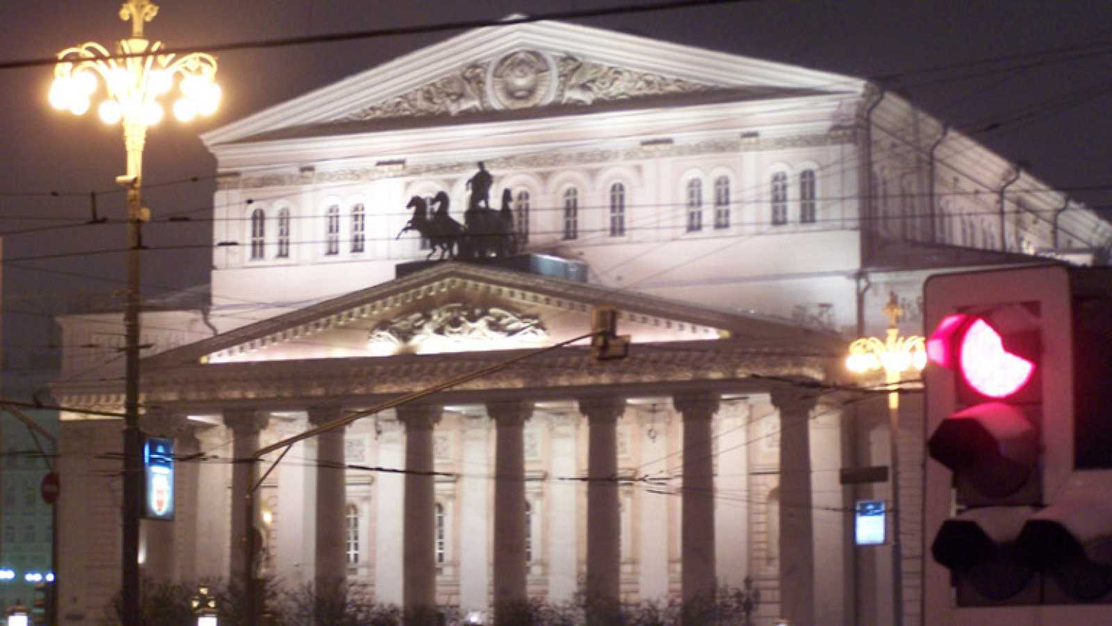 El mítico Teatro Bolshoi ha renacido. On  Off te cuenta cómo ha sido esta vuelta a la primera línea.