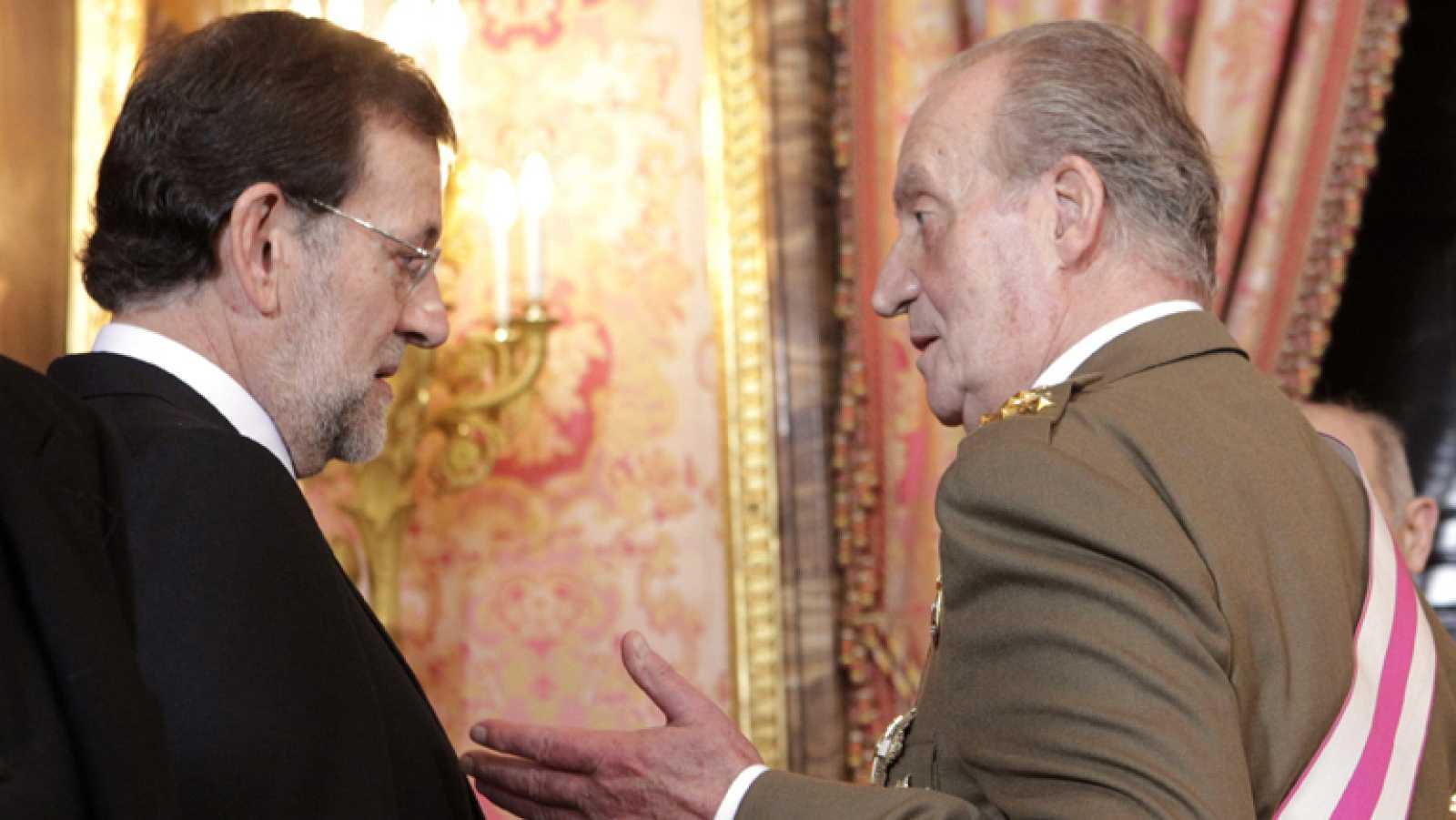 El rey pide a los militares el máximo rendimiento de sus recursos ante la crisis económica