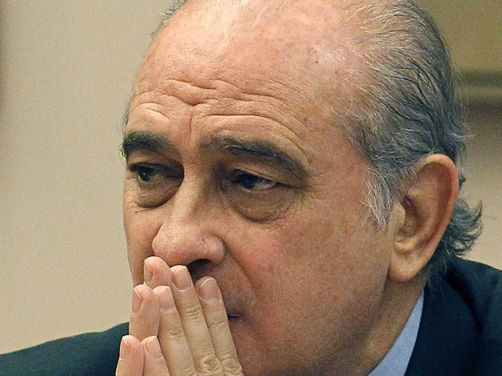 """El ministro del Interior anuncia una política de reinserción """"individual"""" para los presos de ETA"""