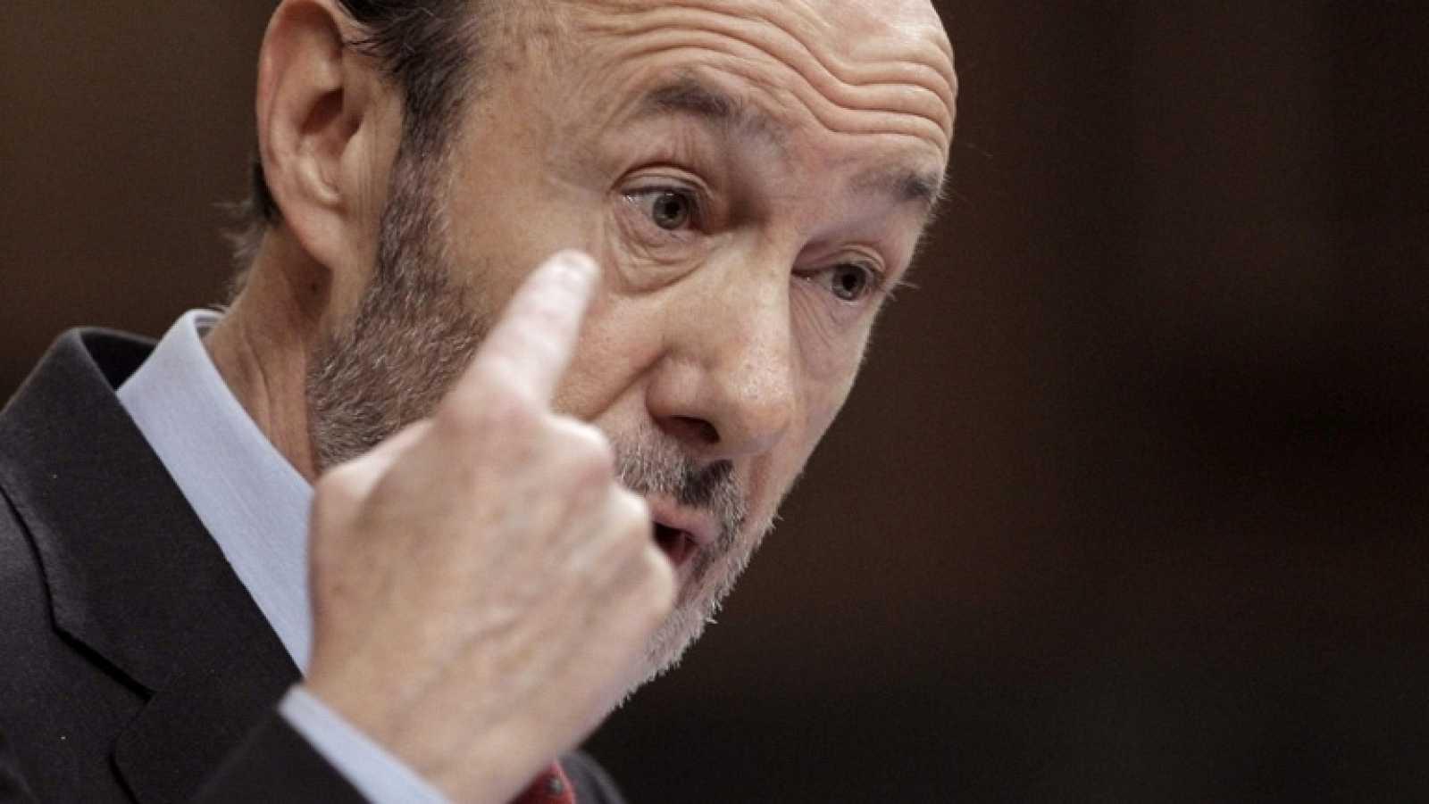 Alfredo Pérez Rubalcaba se estrenaba hoy en su primer debate ya como secretario general del PSOE.