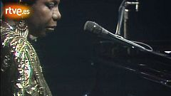 Sábado noche - Nina Simone interpreta 'My Baby Just Cares for Me'