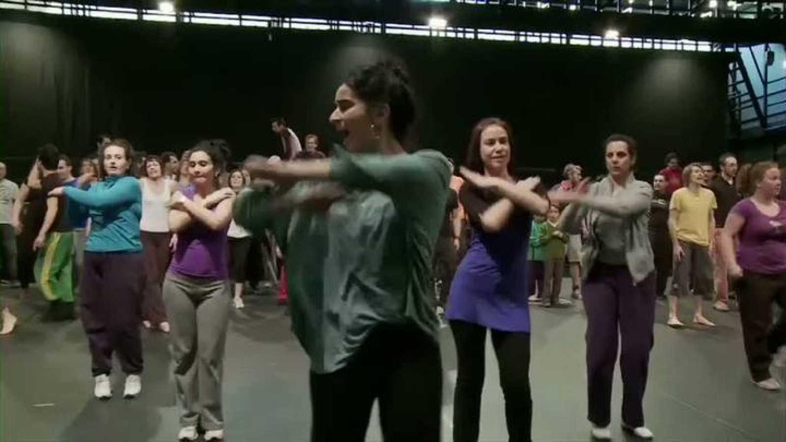 """Les ballets C de la B presentan """"C(h)oeurs"""" - ensayos de la coreografía"""