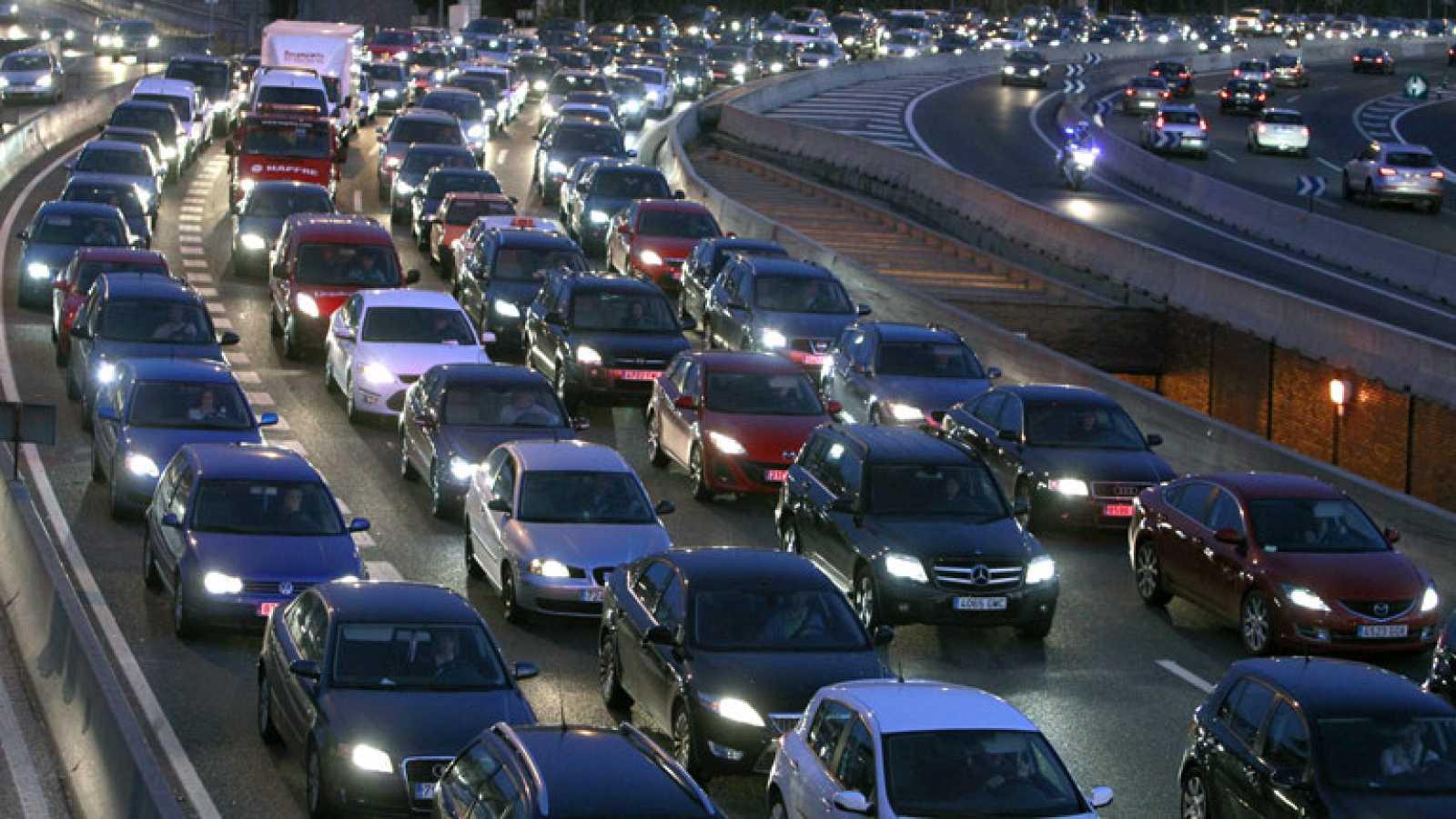 Cumplimiento generalizado de los servicios mínimos en el transporte público