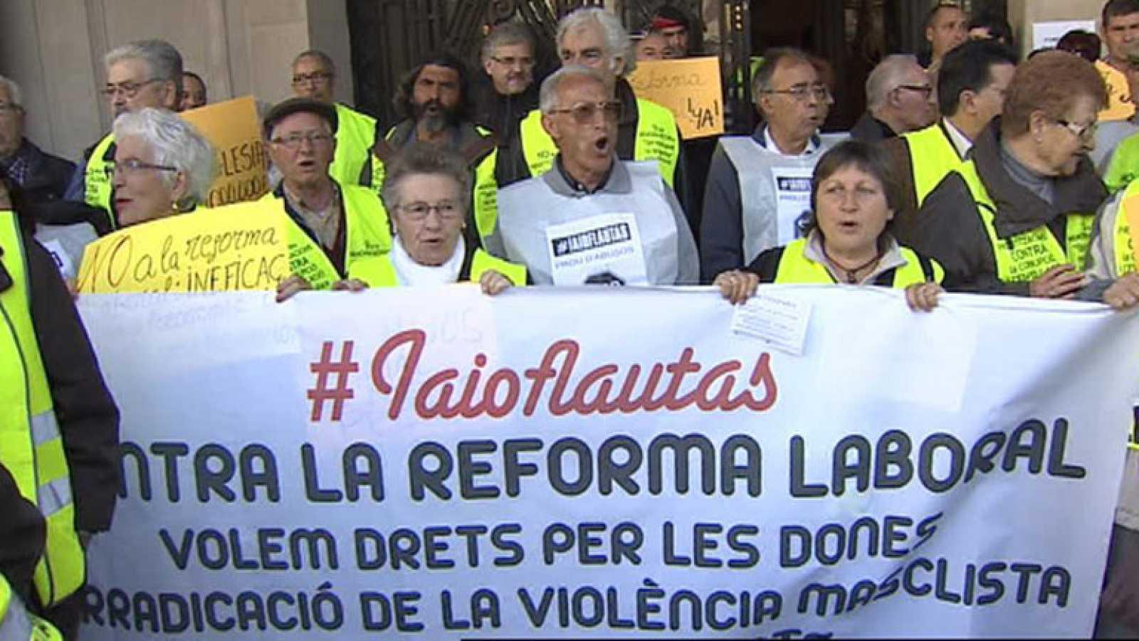 """Los """"iaioflautas"""" salen a las calles a defender los derechos públicos"""