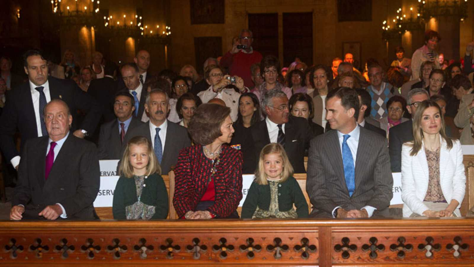 Rajoy no responde sobre si el gobierno conocía o no el viaje del Rey