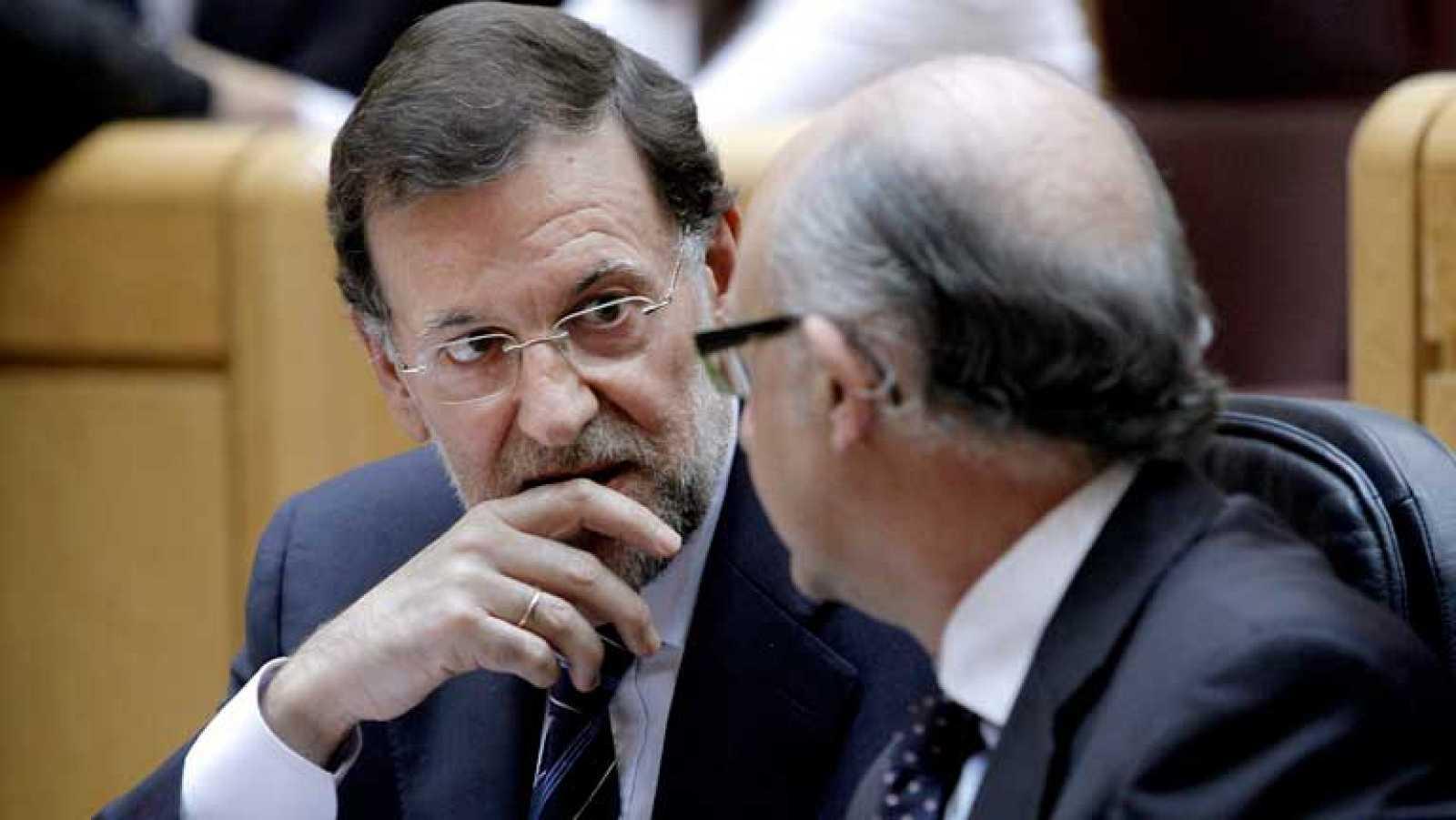 Rajoy defiende los eurobonos y se compromete a llevarlos al Consejo Europeo