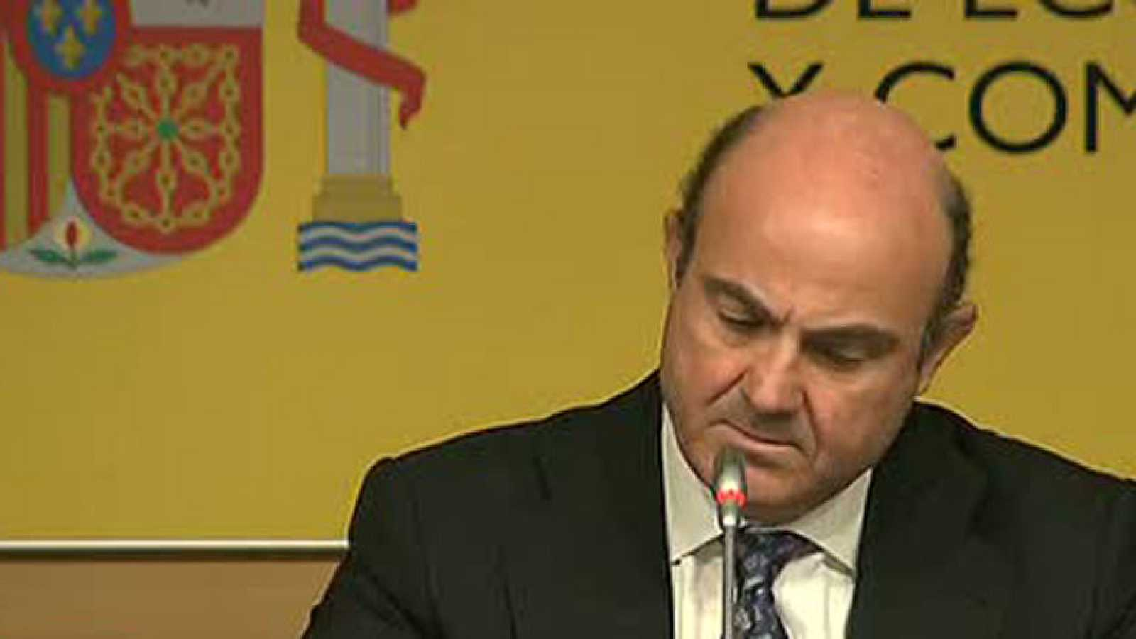 """De Guindos: """"Rajoy no ha comparecido porque yo soy el miembro del Eurogrupo"""""""