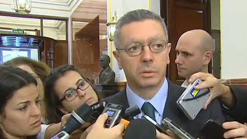 Gallardón propone mirar hacia el futuro tras una dimisión de Dívar, que apoyan todos los partidos