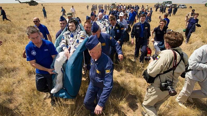 Aterriza la nave Soyuz con tres tripulantes a bordo