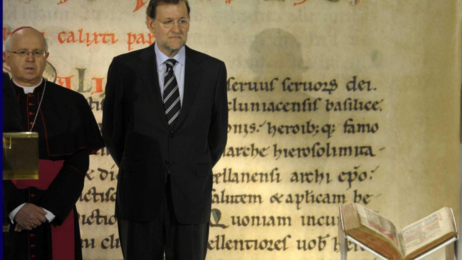 Rajoy y Feijoo asisten presiden el acto de devolución del Códice Calixtino en la Catedral de Santiago