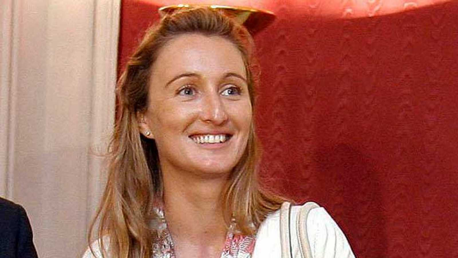 Andrea Fabra amonestada por el presidente del Congreso y el portavoz del PP