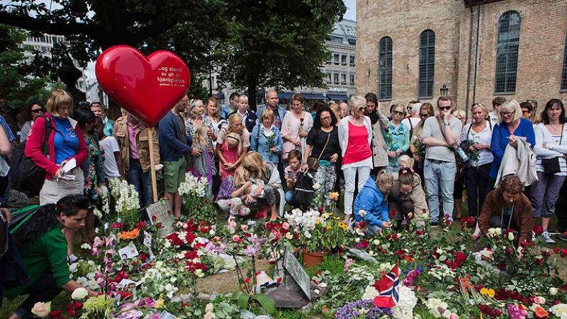Homenaje a las víctimas del atentado de Utoya