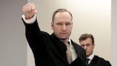 Breivik se mostró frío ante el tribunal