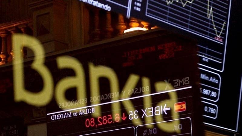 Tres exaltos cargos del Gobierno socialista comparecen en el Congreso para hablar de la reestructuración bancaria