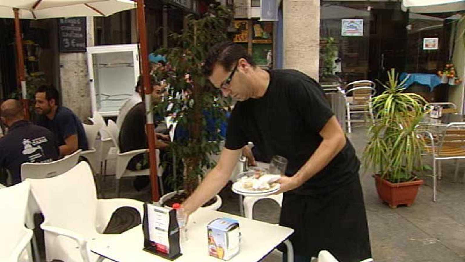 El empleo en el sector turístico es ocho puntos menor que la media española