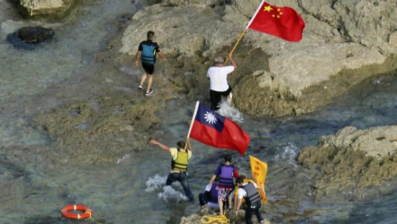 Conflicto diplomático entre China y Japón por el desembarco de activistas en una isla nipona