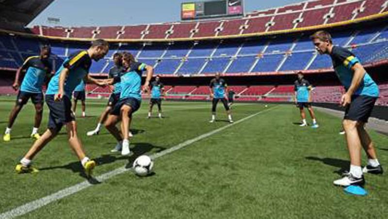 El Barça entrena mientras el Madrid viaja a Barcelona