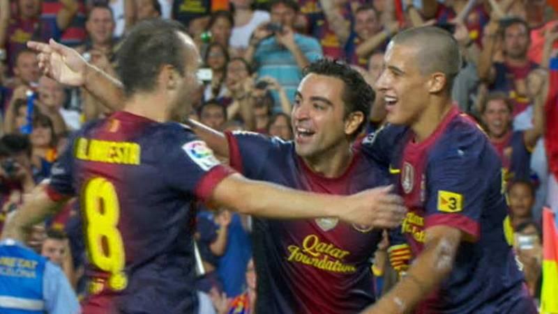 Xavi Hernández ha marcado un gran gol al Real Madrid en el minuto 77 tras una gran jugada de Andrés Iniesta.