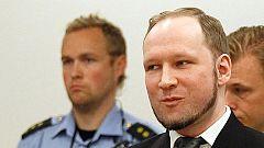 Noruega considera 'cuerdo' a Breivik y lo condena a su pena máxima de cárcel