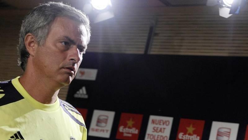 El conjunto que dirige Jose Mourinho debe remontar un 3-2 adverso de la ida de la Supercopa y por eso el técnico blanco ha instado a sus jugadores a salir al ataque desde el primer minuto de partido.