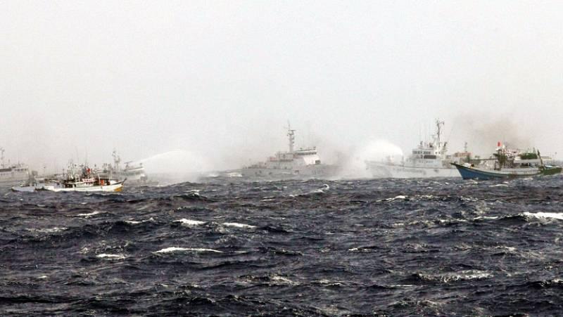 Docenas de barcos de Taiwan entran en aguas de las islas disputadas entre Japón y China