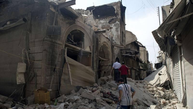 Arde el zoco de la ciudad siria de Alepo