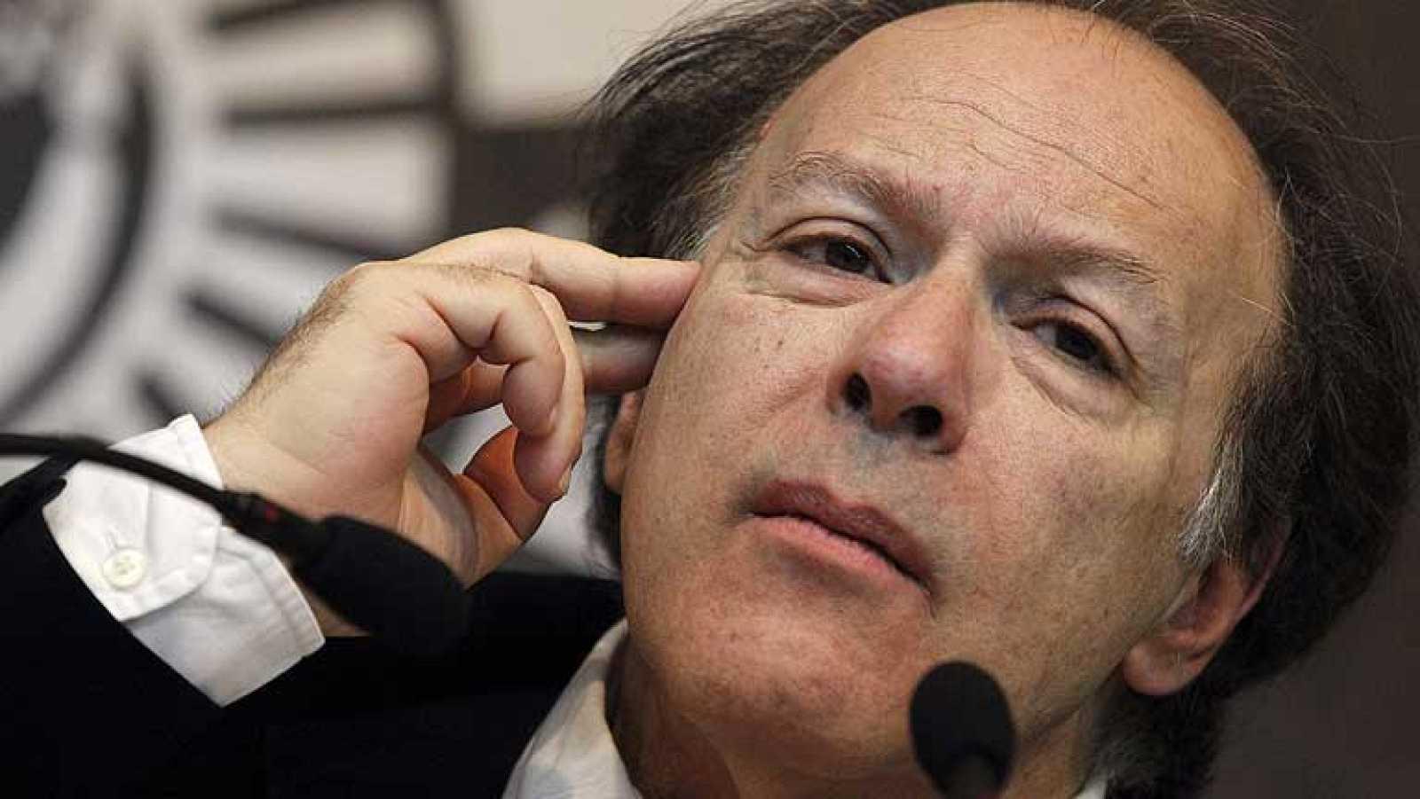 El escritor Javier Marías rechaza el premio nacional de narrativa