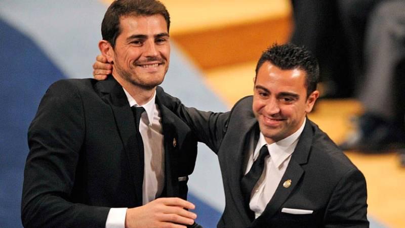 Xavi y Casillas, un ejemplo de compañerismo