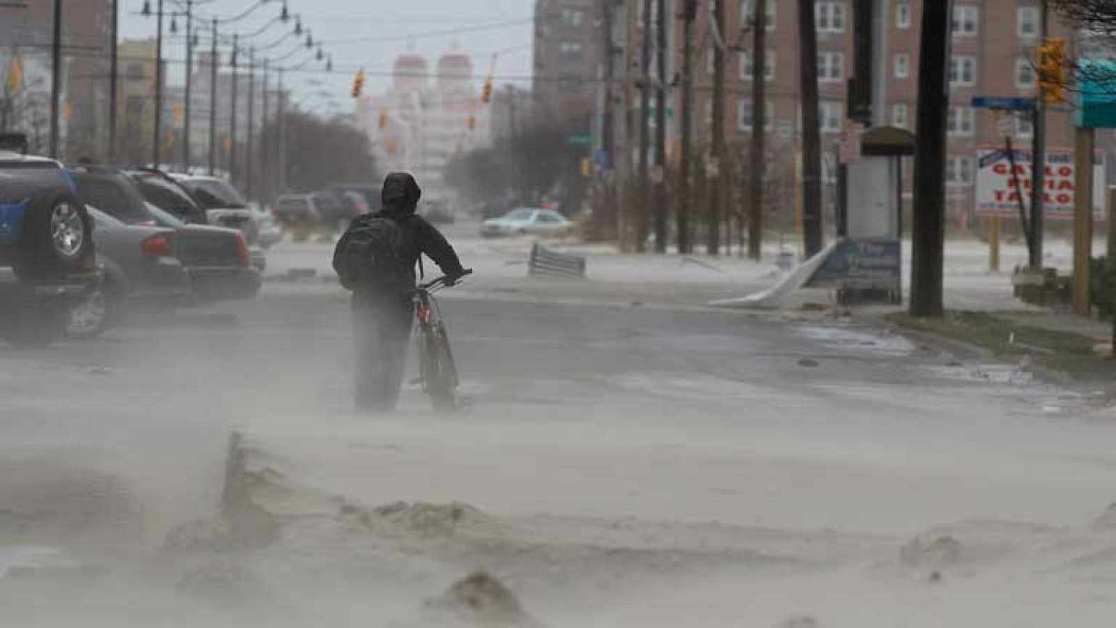 """En la red ya hay colgadas más de 300.000 fotos del paso de """"Sandy"""" por Nueva York"""