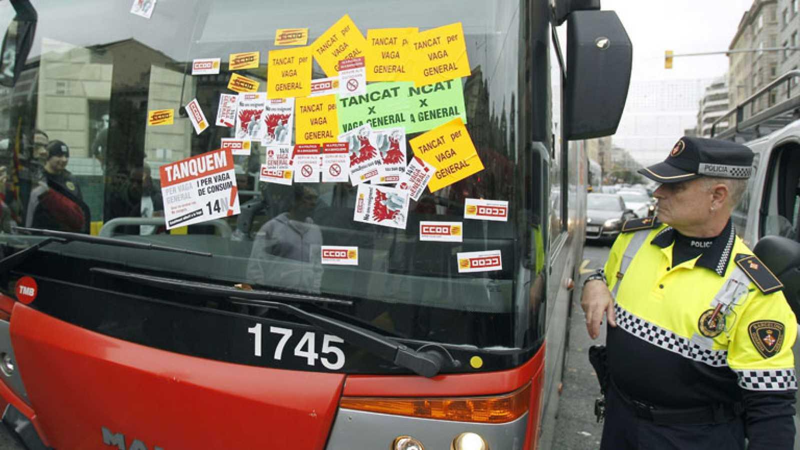 Según los sindicatos el seguimiento de la huelga en el transporte es superior al 90 por ciento