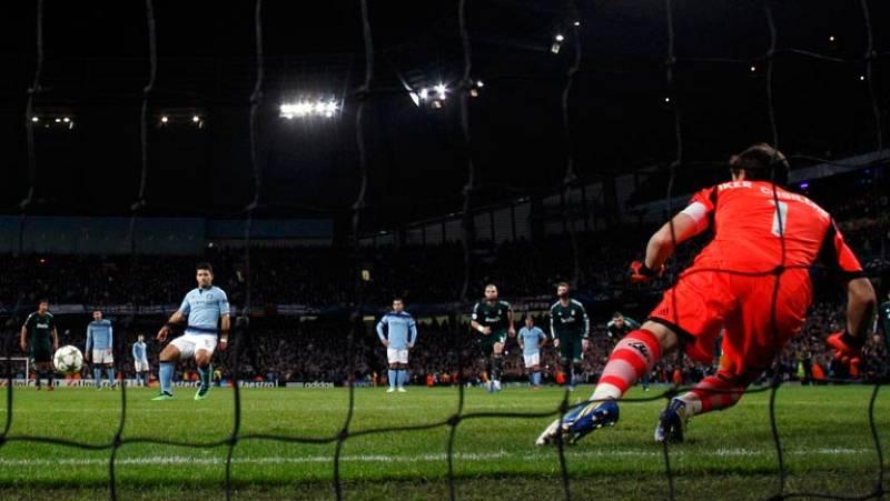 El delantero argentino del Manchester City, Sergio 'Kun' Agüero, ha empatado de penalti ante el Real Madrid en el minuto 73 de juego.