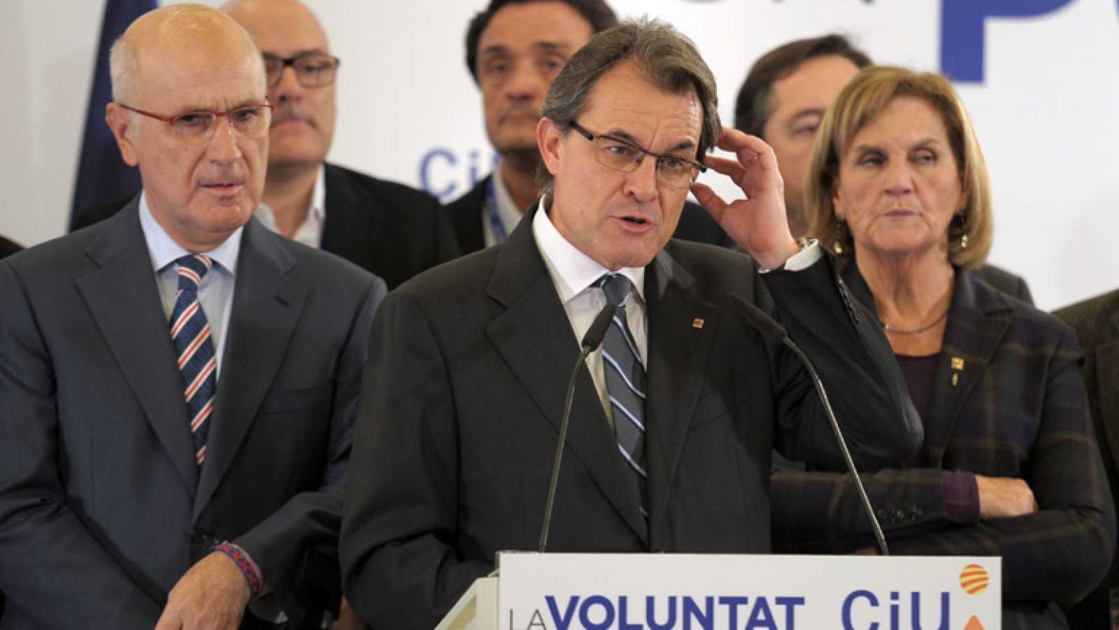 """El líder de CiU, Artur Mas, ha admitido este domingo 25 de noviembre que su partido ha quedado """"lejos de la mayoría excepcional"""" que reclamaban y, por este motivo, que no tiene la """"fuerza necesaria"""" para liderar el """"proceso"""", en alusión a la celebrac"""