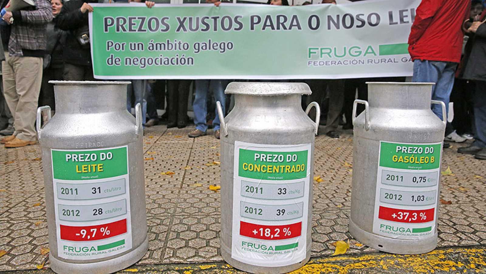 Ganaderos gallegos protestan en la sesión de investidura de Núñez Feijóo