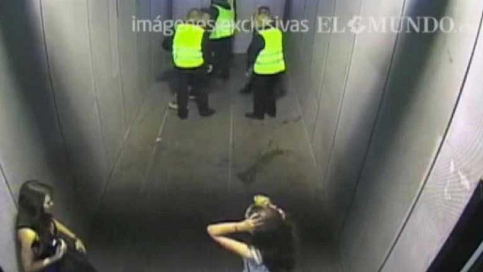Un pasillo que podría haber liberado la presión de la gente en el Madrid Arena permaneció cerrado toda la noche
