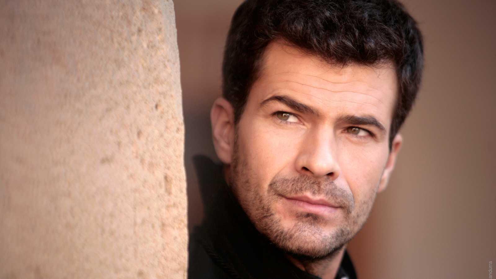 La Señora - Capítulo 14 - Victoria no está dispuesta a convivir con su esposo cuando ha descubierto que es el asesino de su padre - ver ahora