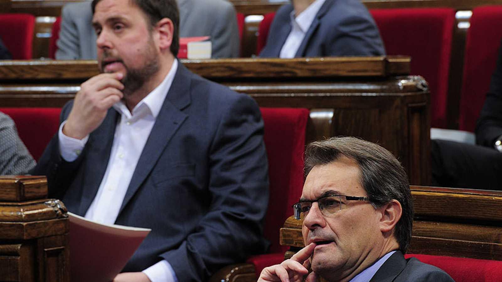 CiU y ERC fijan la consulta soberanista en 2014 tras cerrar un acuerdo de gobernabilidad