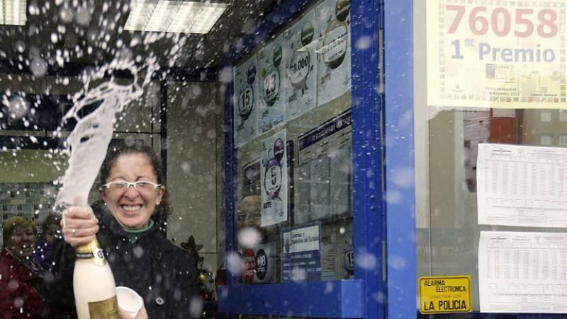 Alcalá de Henares festeja el gordo de la lotería de Navidad
