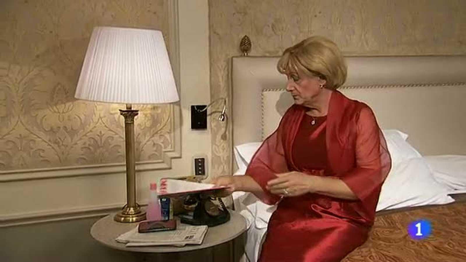 Especial Nochevieja 2012 - Hotel 13 estrellas 12 uvas - Merkel y Rajoy en la habitación de hotel - ver vídeo