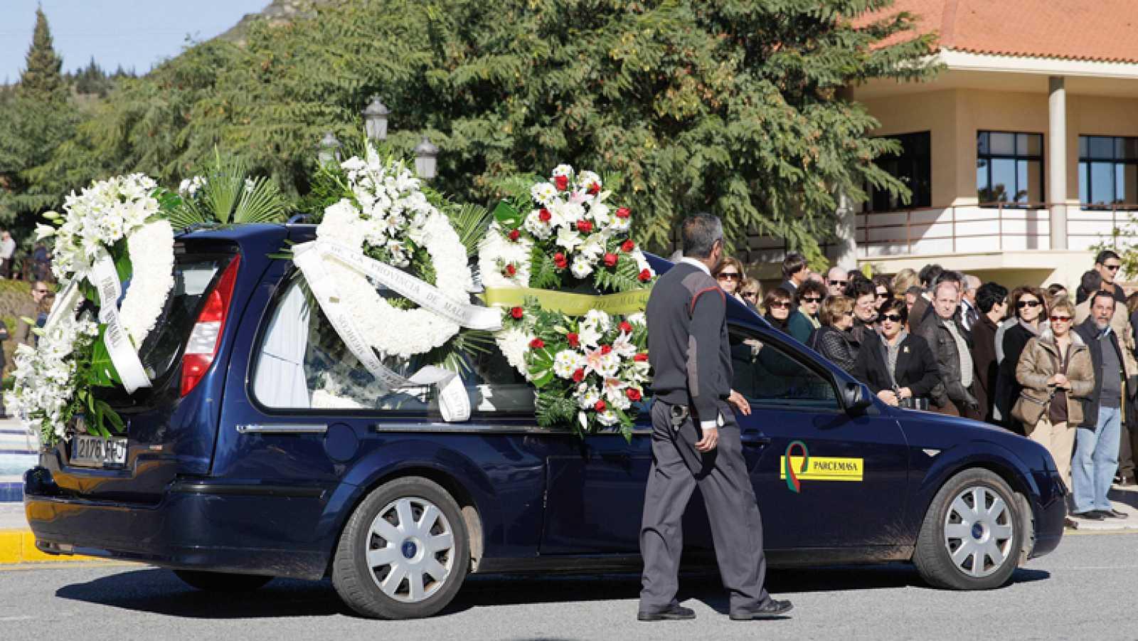 Málaga decreta dos días de luto por la muerte del menor atropellado por una carroza