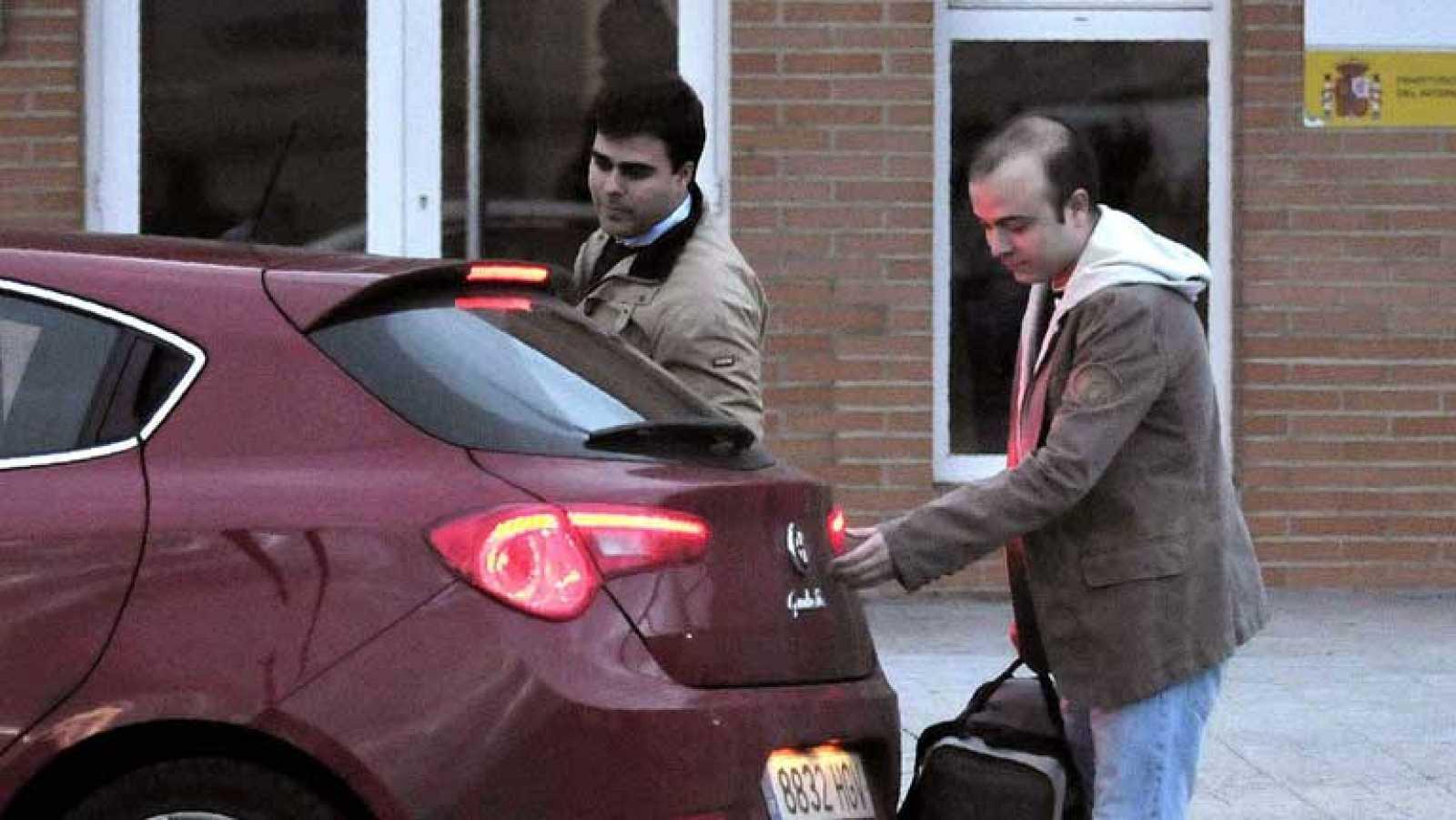Ángel Carromero abandona la prisión de Segovia