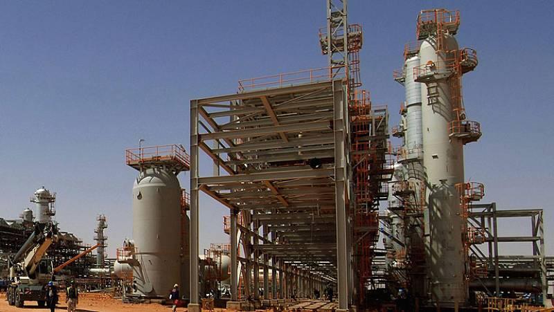 Secuestran a 41 extranjeros y al menos dos mueren en el ataque a una planta de gas en Argelia