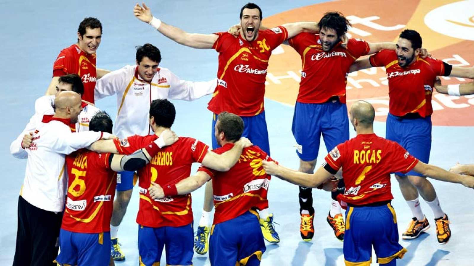 La selección española de balonmano ha ganado a Eslovenia (26-22) y  se ha metido en la final de 'su' Mundial haciendo buenos los  pronósticos en un partido en que les costó deshacerse de una  Eslovenia por la buena actuación de su portero Gorazd Skof