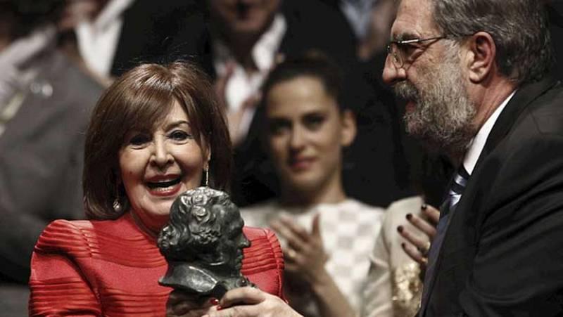 La actriz Concha Velasco recibe el Goya de Honor
