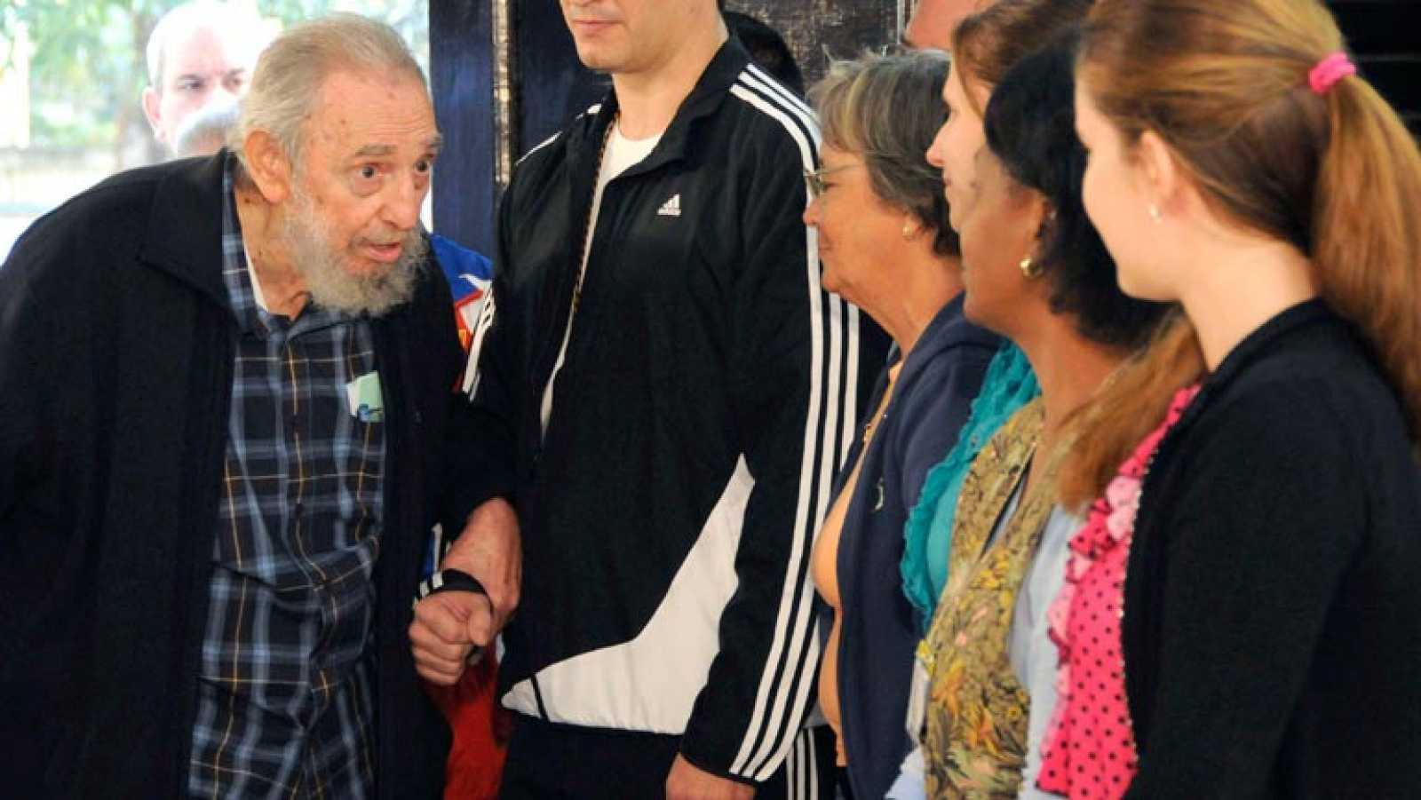 FIDEL CASTRO VOTA EN CUBA