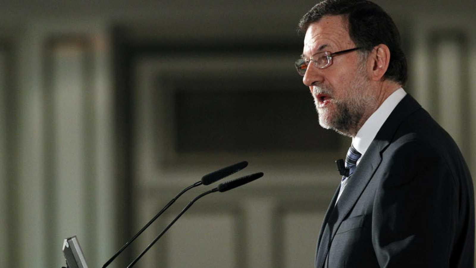 """Rajoy: """"Los dos grandes partidos, con sus problemas, siguen teniendo el apoyo de los ciudadanos"""""""
