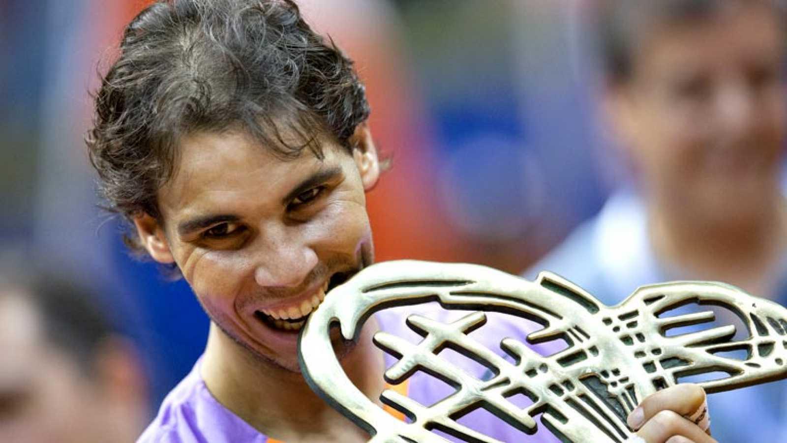 El español Rafael Nadal se ha impuesto por 6-2 y 6-3 al argentino David Nalbandian y se proclamó campeón del Abierto de Brasil, el primer torneo que gana en su retorno al tenis tras siete meses parado por una lesión en una rodilla.