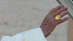 El anillo del pescador, uno de los símbolos más característicos